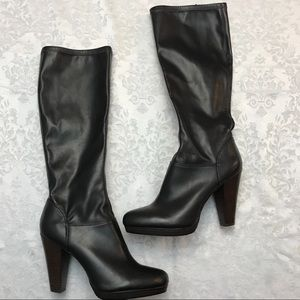 NWOT Arturo Chiang - Dark Chocolate Boots